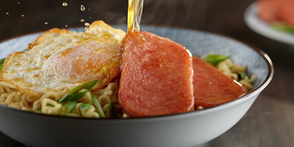 https://www.spam-uk.com/recipe/spam-classic-and-beef-ramen/
